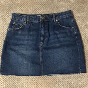 TOPSHOP MOTO RAW HEM DENIM SKIRT SIZE 8
